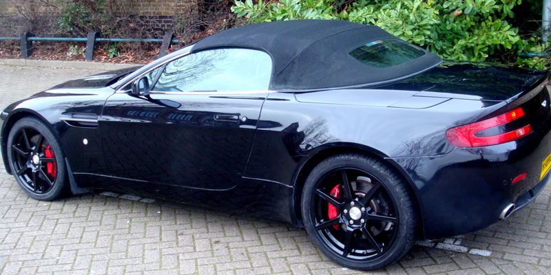 Cabriolet Aston Martin AMV8 rental with PB Supercars