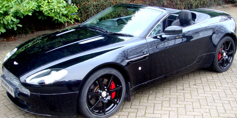 Hire an Aston Martin AMV8 Cabriolet online with PB Supercars